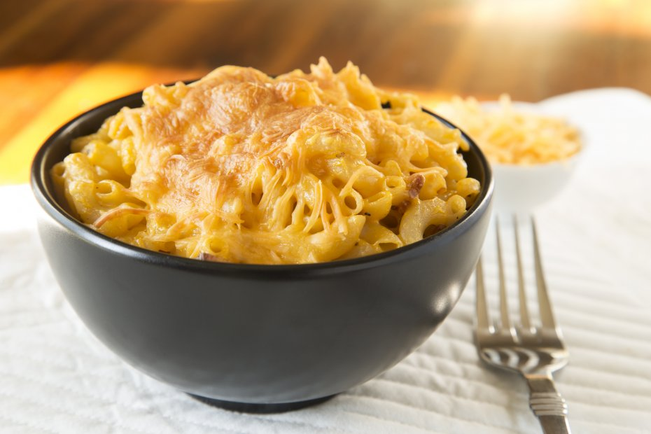 Macarrones con queso (Mac and cheese)