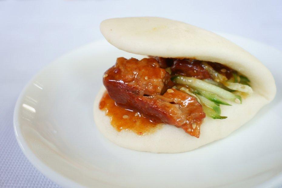 Taiwanese pork belly bun
