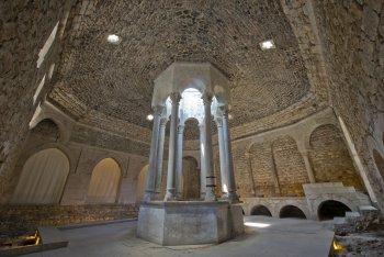 Girona casco antiguo de girona - Banos arabes de girona ...
