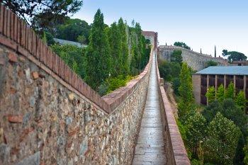 Medieval Eixample, Girona City Wall Promenade