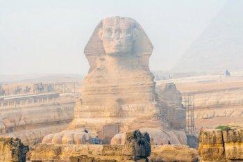 Las pirámides y el esfinge