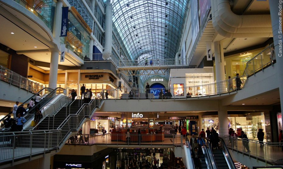 Khu phố ngầm PATH: là khu phố mua sắm sầm uất phía dưới trung tâm thành phố Toronto
